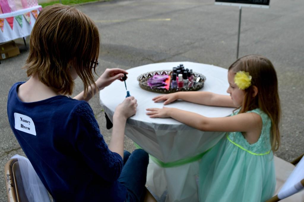 bloom nail painting
